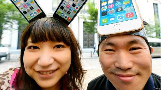 Apple reportó un nuevo crecimiento en sus ganancias el mes pasado por la venta de 47,5 millones de iPhones sólo entre abril y junio de 2015.