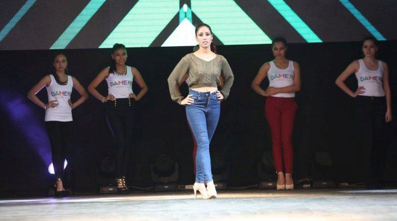 '30 Horas Gamarra Fashion Show' busca superar a Miami como el desfile más largo de la historia y lograr un nuevo récord Guinness. (El Comercio / Alonso Chero)
