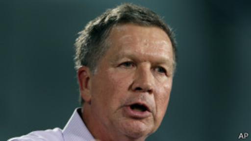 La inclusión de Kasich en el debate, en lugar de Perry o Santorum, generó malestar en el equipo de campaña de este último. (Foto: AP)