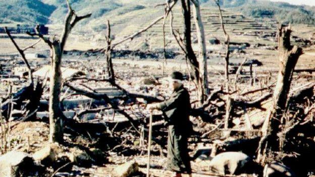 La bomba causó enorme destrucción en la ciudad. (Foto: AP)
