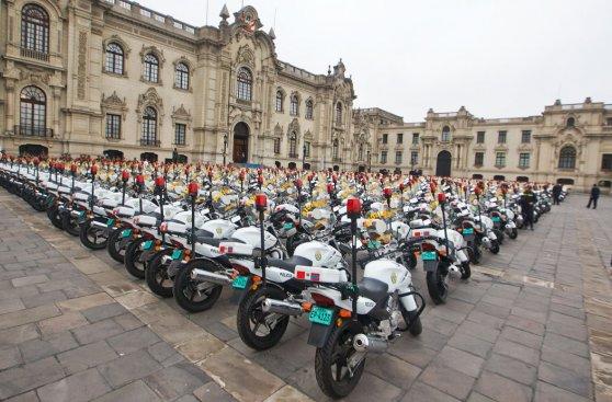 Gobierno presentó 560 nuevas motocicletas para la PNP [FOTOS]