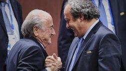 """Michel Platini calificó de """"ridículas"""" acusaciones de Blatter"""