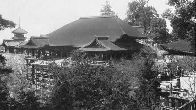 Kioto es la antigua capital de Japón y una ciudad llena de monumentos culturales y espirituales. (Foto: BBC Mundo)