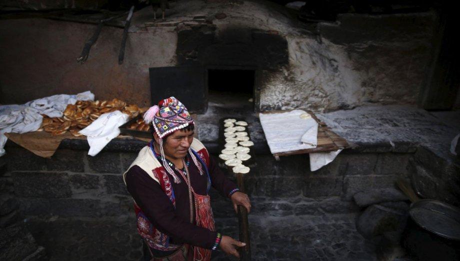 Písac y su tradicional pan hecho en horno de barro [FOTOS]