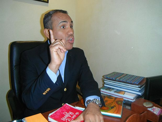 EL EX CONGRESISTA ALVARO GUTIERREZ, CON AGENDAS QUE PERTENECIERON A LA ACTUAL PRIMERA DAMA, NADINE HEREDIA.