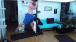 Un hombre y un gato practican juntos 'pole dance' [VIDEO] - Noticias de pole dance