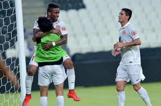 Jefferson Farfán marcó su segundo gol en Al Jazira (FOTOS)