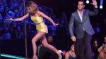 A lo Jennifer Lawrence: actriz se resbaló en Teen Choice Awards - Noticias de jennifer lawrence