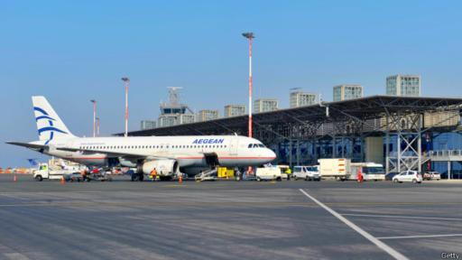 En Alemania, el discruso dominante dice que la crisis griega le generó pérdidas. Pero una empresa alemana ya se hará cargo de 14 aeropuertos regionales en Grecia.