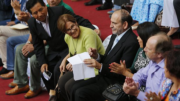 PRESENTACION DE FRENTE AMPLIO DE PARTIDOS POLITICOS DE IZQUIERDA CON MIRAS A LAS ELECCIONES PRESIDENCIALES DEL 2016.CONVOCATORIA DE CONGRESISTA YEHUDE SIMON.