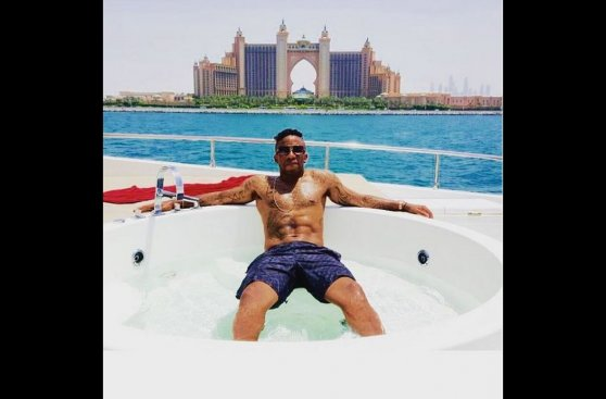 Jefferson Farfán en Instagram: así disfruta en Emiratos (FOTOS)