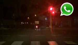 WhatsApp: motos de delivery se pasan la luz roja en Surco
