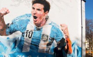 Lionel Messi grita gol en paredes de su escuela en Rosario