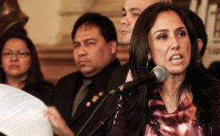 """Nadine: """"Temen afrontar 'narcoindultos' y vínculo con Oropeza"""""""