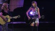 Taylor Swift y Lisa Kudrow cantaron