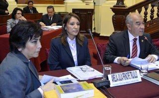 Fiscalía ordenará prueba grafotécnica a Nadine, según Príncipe