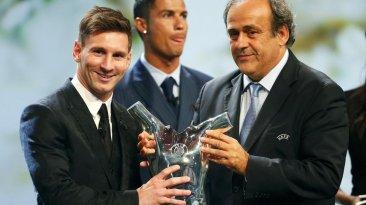Cristiano Ronaldo reaccionó así tras premiación a Lionel Messi