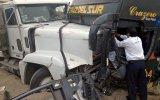 Trujillo: ómnibus choca contra tráiler y deja tres heridos