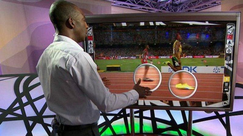 Michael Johnson forma parte del equipo de la BBC que está cubriendo los Mundiales de Atletismo en Pekín(Foto: BBC)