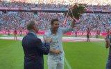 Claudio Pizarro recibió cálido homenaje del Bayern Múnich
