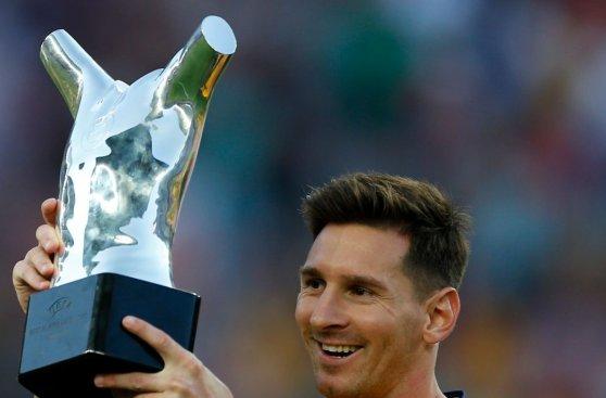 Lionel Messi lució en Camp Nou premio a mejor jugador de UEFA