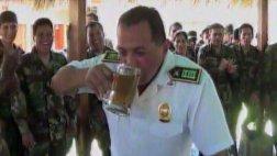 """Vraem: policías  festejan ascensos con """"bautizo"""" de alcohol"""