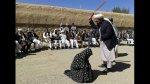 Afganistán: mujer recibe 100 latigazos por adulterio [VIDEO] - Noticias de anita miller al fondo hay sitio