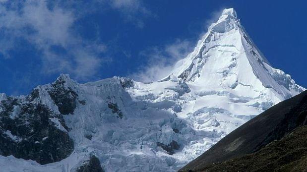 Hallan cadáveres de dos montañistas rusos en el nevado Huandoy