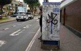 Los paraderos del corredor azul lucen vandalizados