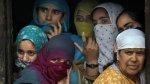 Dos indias condenadas a ser violadas movilizan al mundo - Noticias de asesinato