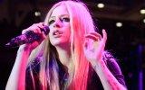 Avril Lavigne se divorcia otra vez, lo anunció en Instagram