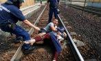Violenta detención de tren con refugiados en Hungría [FOTOS]