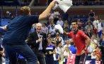 El gesto de Djokovic: bailó con aficionado tras victoria
