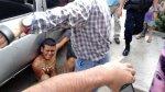 Trujillo: vecinos agreden a latigazos a sujeto que robó celular - Noticias de chapa tu choro