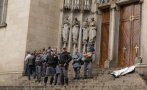 Brasil: Mueren baleadas 2 personas en escalera de una catedral