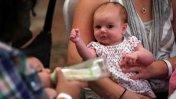 ¿Es buena o mala idea publicar fotos de bebes en Facebook?