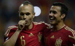 España ganó 2-0 a Eslovaquia por clasificación a Eurocopa 2016