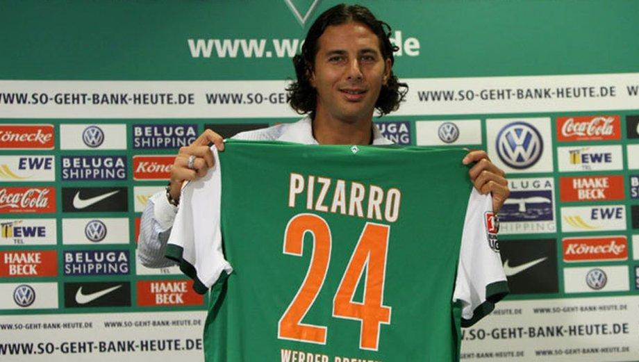 Werder Bremen destacó la historia de Claudio Pizarro en el club