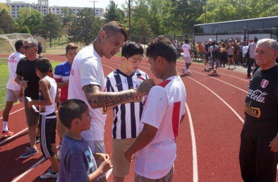 Selección peruana entrenó en Nueva Jersey con apoyo de hinchas