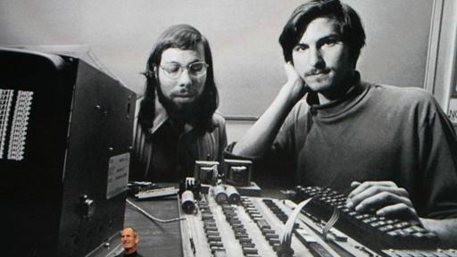 Steve Jobs, hace referencia a su relación temprana con Steve Wozniak en el lanzamiento del iPad en 2010.