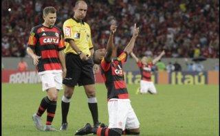 Flamengo, sin Guerrero, ganó 2-0 a Cruzeiro con golazos (VIDEO)