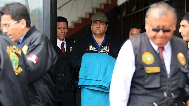 El coronel PNP en retiro Benedicto Jim?nez fue trasladado esta ma?ana de la sede de Requisitorias, en La Victoria, a la Sala Penal Nacional, en Lima Cercado. FOTO: LINO CHIPANA OBREG?N