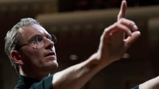 Michael Fassbender da vida a Steve Jobs en la última película de Danny Boyle. (Foto: Universal)