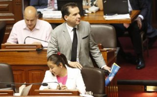 """""""A diferencia de otros, Espinoza fue investida en las urnas"""""""