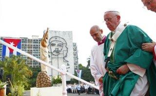 """El Papa en Cuba: """"Se sirve a las personas, no a las ideas"""""""