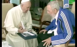 Los regalos que intercambiaron el Papa y los Castro en Cuba