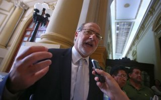 "Daniel Abugattás: ""No salimos de escándalo tras escándalo"""