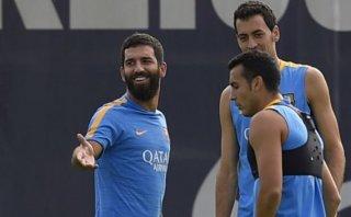Barcelona: FIFA le recomienda no inscribir a Arda Turan