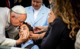 El niño con parálisis cerebral que conmovió al papa Francisco