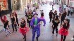 """Por el día de """"Batman"""", el """"Guasón"""" sale a bailar a las calles - Noticias de guason"""
